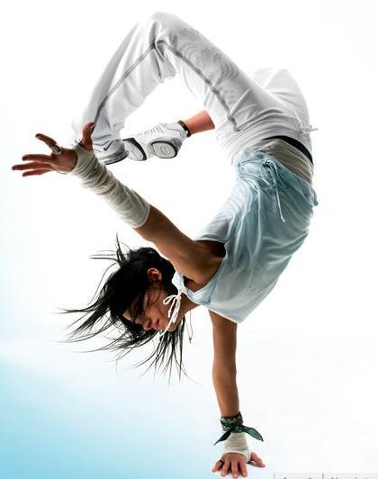 Top II-d.Les filles donnent au Hip Hop un champ chorégraphique riche. KM23